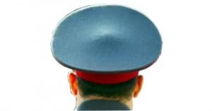 Полицейский избил журналистку Первого канала