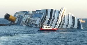 Российские туристы с затонувшего лайнера возвращаются в Россию