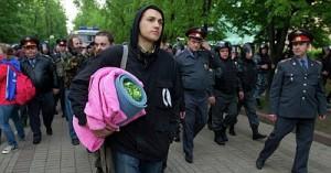 В Москве разогнали лагерь оппозиции на Чистых прудах