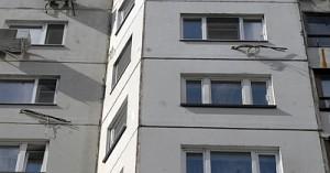 Женщину, выбросившую детей из окна проверят психиатры