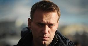 """Навального оштрафовали за слова о """"жуликах и ворах"""""""