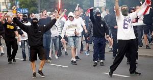 Столкновения российских и польских болельщиков