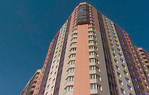 женщина выбросила детей с 15 этажа