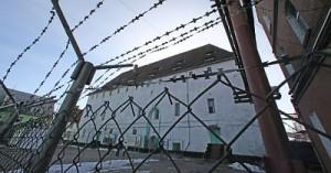 В иркутской колонии 350 заключенных порезали себя на плацу