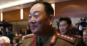 В КНДР министра обороны расстреляли из зенитной установки за сон на совещании